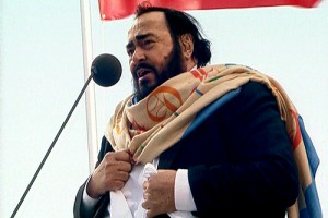 Luciano_Pavarotti_in_Saint_Petersburg (wikipedia.org)