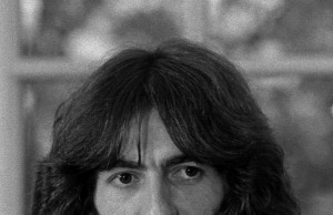 George_Harrison_1974 1000 (Wikipedia.org)