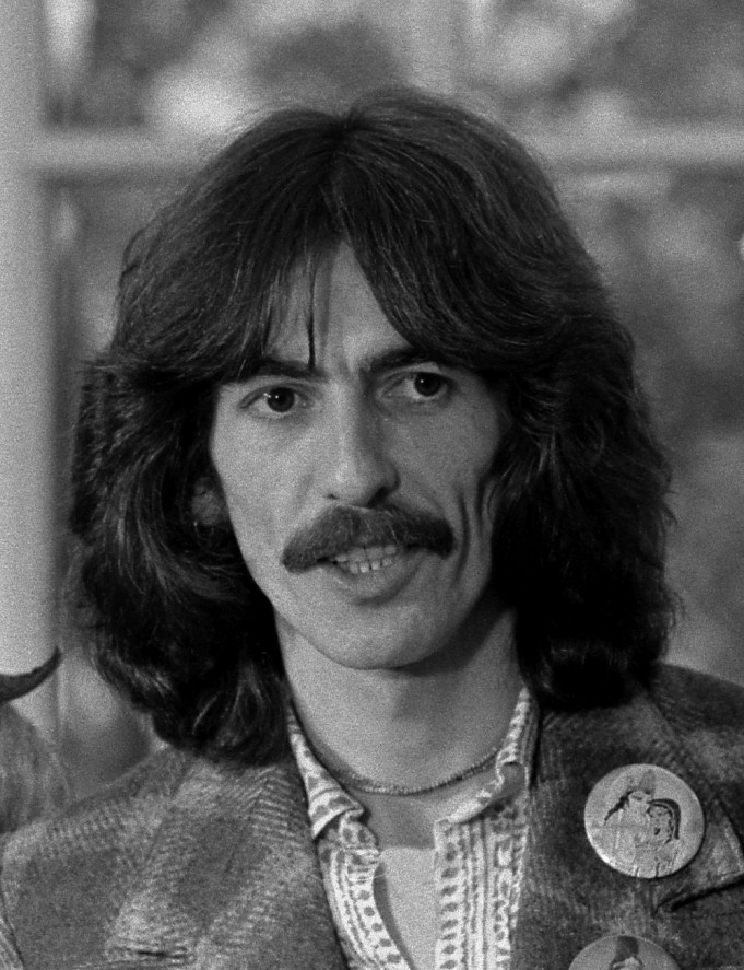 George_Harrison_1974 1000 (Wikipedia.org)