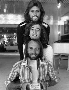 Bee_Gees_1977_1000.jpg (wikipedia.org)