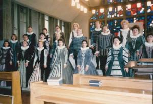 1990-Repetitie inainte de concert Turneu Japonia cu Corul Madrigal