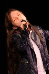 Foto Alice Olivia Ghile - Premiul I (9-11 ani) Muzică Uşoară Hermannstadtfest 2016 (foto Hermannstadtfest by TakeaSmile.ro)