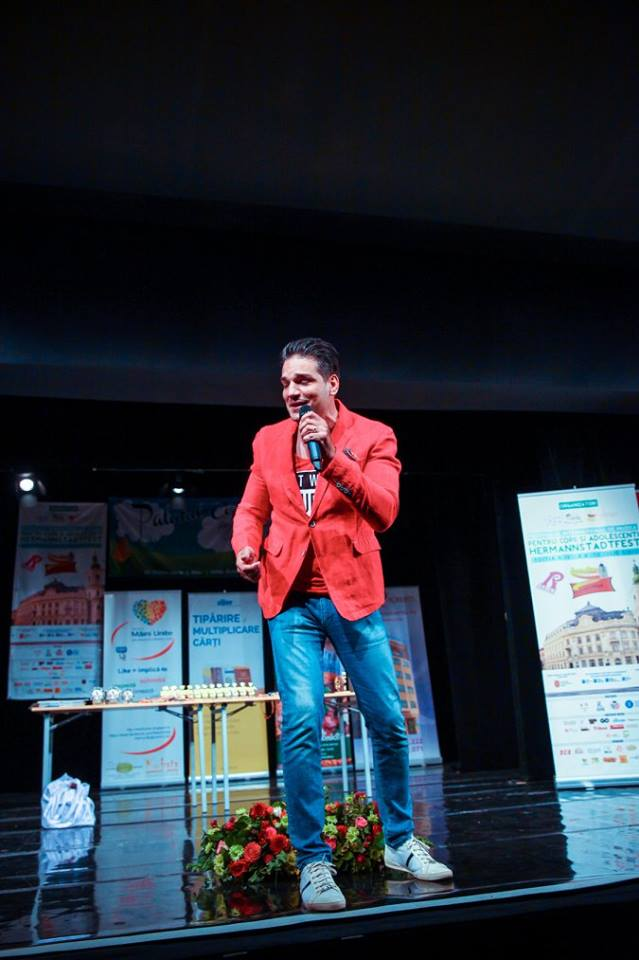 Foto Rareş Dragomir în recital pe scena HERMANNSTADFEST 2016 (foto Hermannstadfest by TakeaSmile.ro)