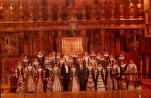 Foto Corul National de Camera MADRIGAL, Dirijor Marin Constantin cu dl. Coriolan Babeti - Director adj. al ICR de la Venetia in Basilica San Marco, Italia, 1994 ( arh. Muz. Marin Constantin)