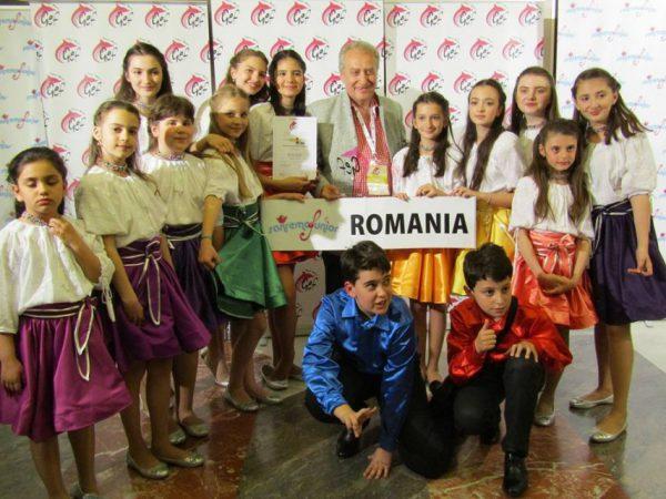 Trofeul GEF - San Remo-junior 2017 - Scoala de canto VIVOX condusa de compozitorul si dirijorul Viorel Gavrila