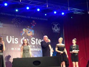 Acordarea premiului Tinere Talente (foto by Ioana Dragomir)