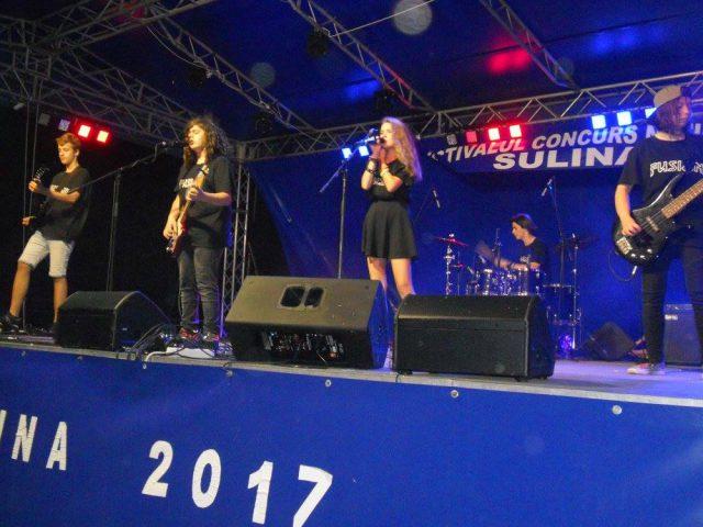 Trupa FUSION din Sibiu in recital la Sulina 2017 (Foto by Stanel Rotaru/Facebook)