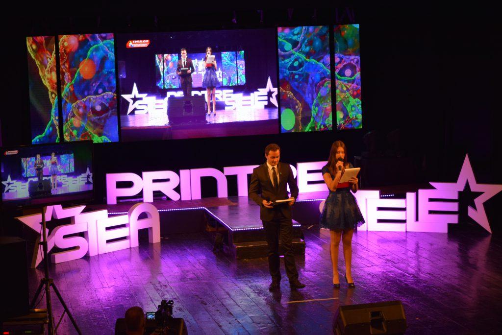 Prezentatorii festivalului - Bogdan Matei si Alessia Popa (foto Ioana Dragomir)