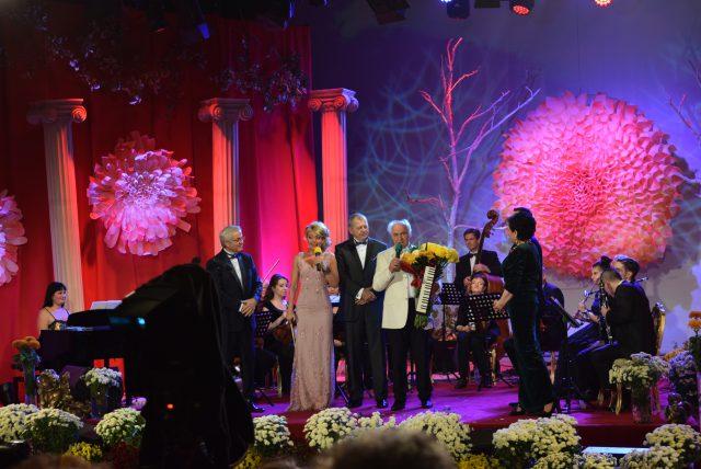 Aniversare 80 de ani a Maestrului artist şi compozitor Eugen Doga pe scena Festivalului Crizantema de Aur 2017 (foto by Bogdan Dragomir)