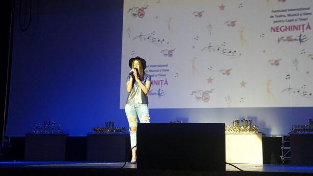 Alessia Popa în recital la Festiv. Neghiniţă 2017 (foto by Bogdan Dragomir)