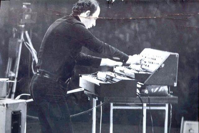 foto Adrian Enescu in concert (facebook.com.fotografii adrian enescu).640