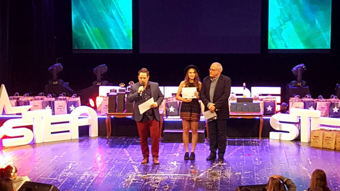 20181013_191229 Premiul Tinere Talente.Karina Luncanu.1100 (foto Alina Dragomir)