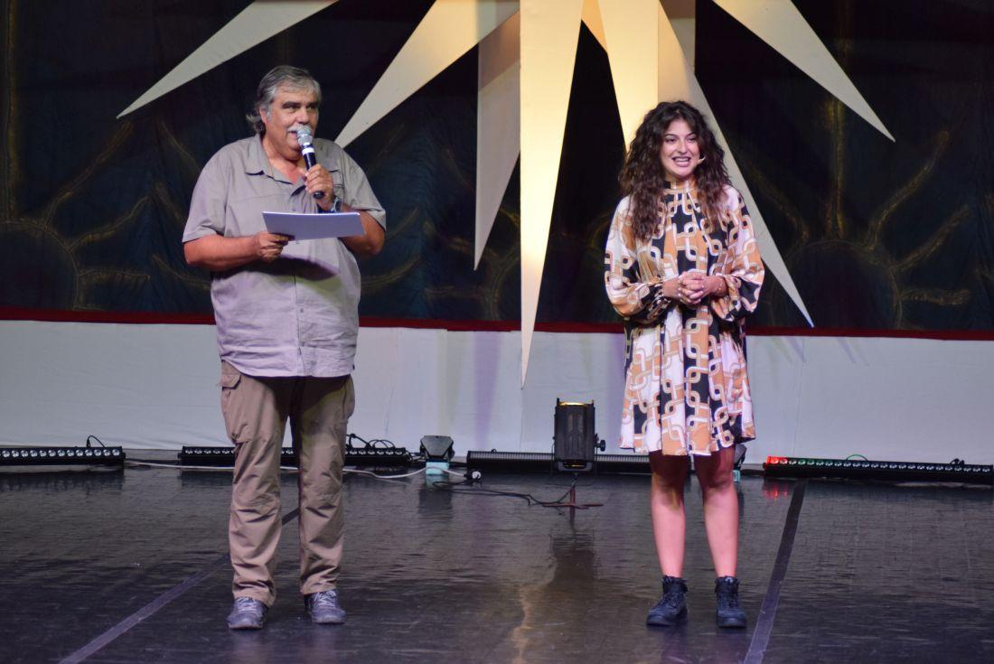 DSC_0909.Oana Mihaela Cercel (actrita si prezentatoarea festival.) si Liviu Manolache (actor, regizor si Director general al festiv. Mamaia Copiilor 2019).1100 (foto by Bogdan Dragomir)